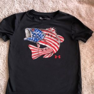 Under armour boys size 5 athletic shirt